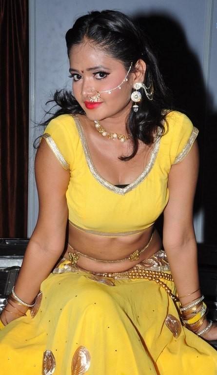 South Actress Shreya Vyas Navel Stills